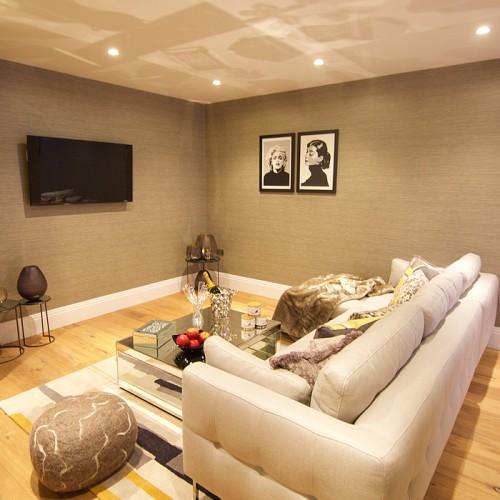 Cine_Room